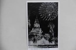 CPA Indochine Cambodge - Pnom-Penh - Feux D'artifice Au Phnom - Vue De Nuit 1950-1960 - Cambodge