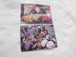 LOT DE 2 ILLUSTRATIONS ...MARCHANDES DE FLEURS ...AFRIQUE EN COULEURS - Händler