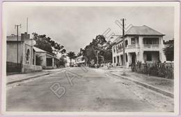 Brazzaville (Congo) - (Autrefois En A. E. F.) - Avenue Du Commerce (Daté Au Verso En 1936) - Congo Français - Autres