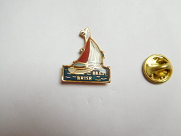 Beau Pin's , Marine Bateau Voilier , Brise Brest - Barcos
