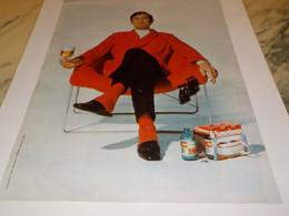ANCIENNE  PUBLICITE EN PANTOUFLE  KRONENBOURG 1968 - Publicités