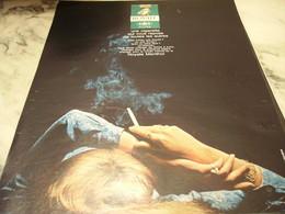 ANCIENNE PUBLICITE BIEN FRAPPE CIGARETTE ROYAL 1968 - Tabac (objets Liés)