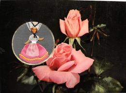 Carte Parfumée De Luxe Vallazur - Parfum De Fragonard GRASSE Et Eze-Village - Poupée Champenoise - Complet Avec Ruban - Grasse