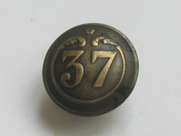 Ancien Bouton Militaire - Bombé Petit Modèle -  N° 37   **** EN ACHAT IMMEDIAT **** - Boutons