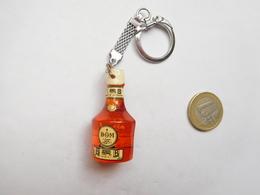 Beau Porte Clés , Alcool Liqueur , Bénédictine B And B , Fécamp ;  ( PAS D'ENVOI HORS DE FRANCE ) - Porte-clefs