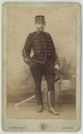 CDV Militaire Circa 1890 F. Berthault à Angers . Lieutenant . 2 Sur Le Col Et Le Képi . Chasseur ? - Anciennes (Av. 1900)