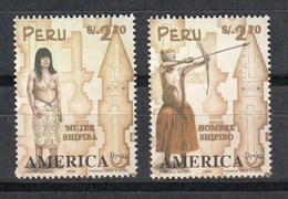 PERU 1996 - TRAJES REGIONALES Y ARTESANIA - UPAEP - YVERT Nº 1105-1106** - Textile