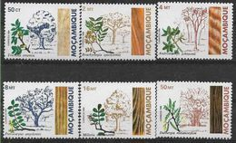 1984 MOZAMBIQUE 940-45** Arbres - Mozambique