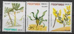 1992 MOZAMBIQUE 1217-19** Plantes - Mozambique
