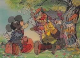 Carte à Système Double Image Disney - Donald Assomme Un Rapetou Devant Mickey - Disney