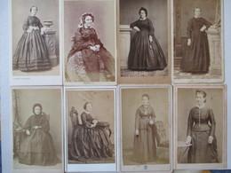 LOT De 8 Photographie Ancienne CDV Albumen - Second Empire - Femmes - Mode D'époque  - Mise à Prix 2 Euros - Photographs
