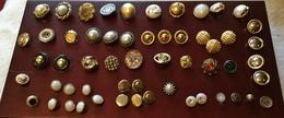 Lot D'anciens Boutons Fantaisie Pour Collection, Couture, Tricot Ou Décoration - Boutons
