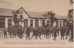 18 BOURGES  Ecole Professionnelle De La Salle , Cour Des Jacobins  Les Classes - Bourges