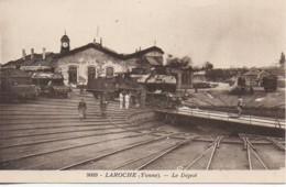LAROCHE  Le Dépot Des Locomotives - Matériel