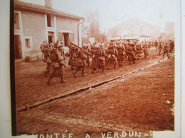 Plaque De Verre Stéréoscopique - Guerre 1914-18 - Montée à Verdun - Poilus  - TBE - Diapositivas De Vidrio