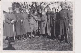 KINGDOM OF YUGOSLAVIA, SERBIA   --   ORIGINAL PHOTO  8,5 Cm X 6 Cm --  SOLDATEN, SABEL, HORSE  ~  PHOTO JAEGER, VRSAC - Militaria