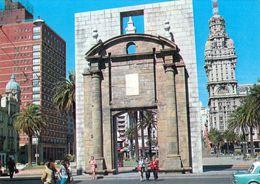 1 AK Uruguay * Puerta De La Ciudadela, Das Tor Zur Altstadt In Der Hauptstadt Montevideo * - Uruguay