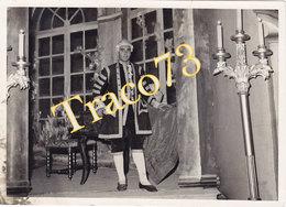 PALERMO _ Anni 40-50 /  Teatro Politeama - Attore In Posa _ Foto Formato 13 X 18 Cm. - Luoghi
