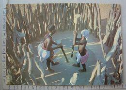 Angola - Mulheres Hinga Pilando O Cereal - SP1656 - Angola
