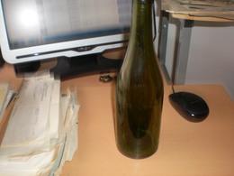 Stieglbrau Unverjaufl Brauereieigtum Old Bottles Beer - Bier