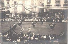 ES OLOT - Carte Photo - Baile De Los Caballitos - Cavallets - Géants Cavaliers - Animée - Belle - Espagne