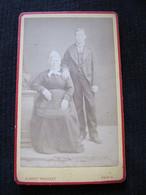 Ancienne Photo Cdv Originale Homme Et Femme Couple En Costume Et Coiffe Albert Prouzet Paris - Anonymous Persons
