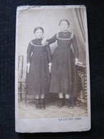 Ancienne Photo Cdv Originale Deux Soeurs Jeunes Filles De Cazautet Nantes - Personnes Anonymes
