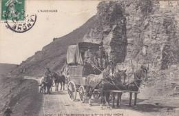 CANTAL  231  LA DILIGENCE SUR LA ROUTE D ALLNCHE 1908 - Allanche
