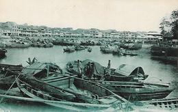 Old Postcard, China, The Singapore River, Buildings, Boats, People. - Singapour
