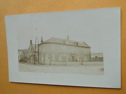 VIC Sur AISNE -- La Vache Noire - Carte-photo écrite Par La Fille Du Propriétaire G. Boufflet En Août 1910 - Vic Sur Aisne