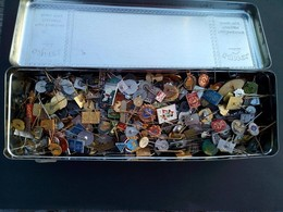 More Than 1500 Pins . Very Enamelled Badges 1950,60,70,80 - Pin's