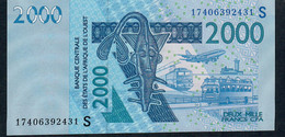 W.A.S. P916Sq 2000 FRANCS (20)17 UNC. - West African States