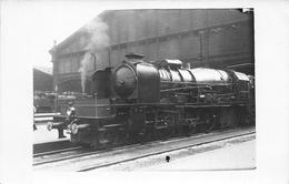 ¤¤  -   Carte-Photo Non Situé D'une Locomotive En Gare  -  Chemin De Fer   -  ¤¤ - Matériel