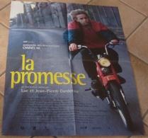 AFFICHE CINEMA ORIGINALE FILM LA PROMESSE Luc Jean-Pierre DARDENNE Jérémie RENIER 1996 TBE MOBYLETTE - Affiches & Posters