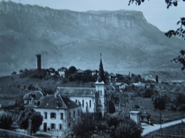 Pontcharra Sur Bréda.   Eglise Saint Maximin Et Tour D'Avallon    241 - France