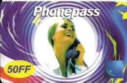 CARTE-PREPAYEE-50FF-PHONE PASS-FEMME TELEPHONANT-25/12/2001-V° P Cadres -T BE- - France
