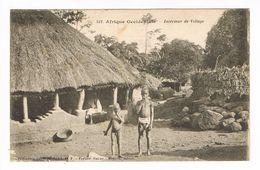 CPA. Dakar. Intérieur De Village..  (F.395) - Sénégal