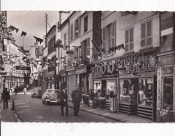 77 COULOMMIERS - Rue De La Pêcherie - CPSM - Animée, Voiture Américaine - 2 Scans, Recto Verso - Coulommiers
