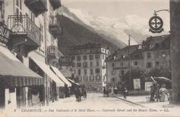 CPA - France - (74) Haute Savoie - Chamonix - Rue Nationale Et Mont Blanc - Chamonix-Mont-Blanc