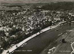 Frankfurt / Main - Höchst. Seltene AK S/w. Luftaufnahme, Fliegerbild, Rhein Mit Schiffen, Ortsansicht,  Panora - Ansichtskarten