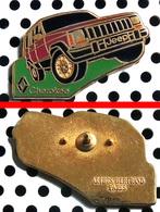 Arthus Bertrand : Automobile RENAULT JEEP CHEROKEE Rouge - Arthus Bertrand