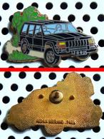 Arthus Bertrand : Automobile JEEP 4x4 Noire - Arthus Bertrand