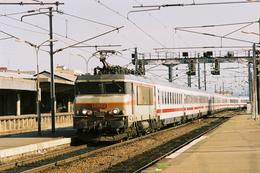 Belfort (90) 8 Août 2004 - La BB 22315 En Tête Du Train EC 168/9 Lyon /Stuttgart Entre En Gare De Belfort - Belfort - Ville