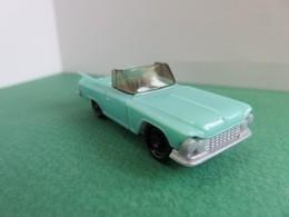 167 - Figurine - Miniature Voiture Américaine - Chevrolet Cabriolet - Kinder - Montables