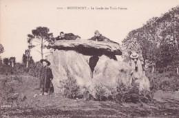 HENNEBONT         LA LANDE DES TROIS PIERRES - Dolmen & Menhirs