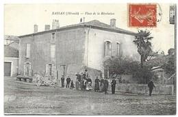 Bassan Place De La Révolution Edit. Amans Cliché Roubieu De Dussol - Autres Communes