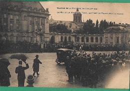 ! - Belgique - Bruxelles - Le Roi Albert 1er Et Le Maréchal Foch Quittant Le Palais Pour La Revue (1914-1918) - Réceptions