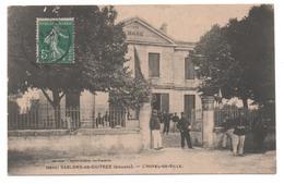 33.1144/ SABLONS DE GUITRES - L'Hôtel De Ville - France