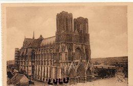 DEPT 51 : édit. G Graff Et Lambert N° 302 :Reims La Cathédrale Avant La Grande Guerre - Reims
