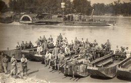 CPA 2538 - MILITARIA - Carte Photo Militaire - Génie Militaire - Bateaux - Pontonniers à AVIGNON - Manoeuvres